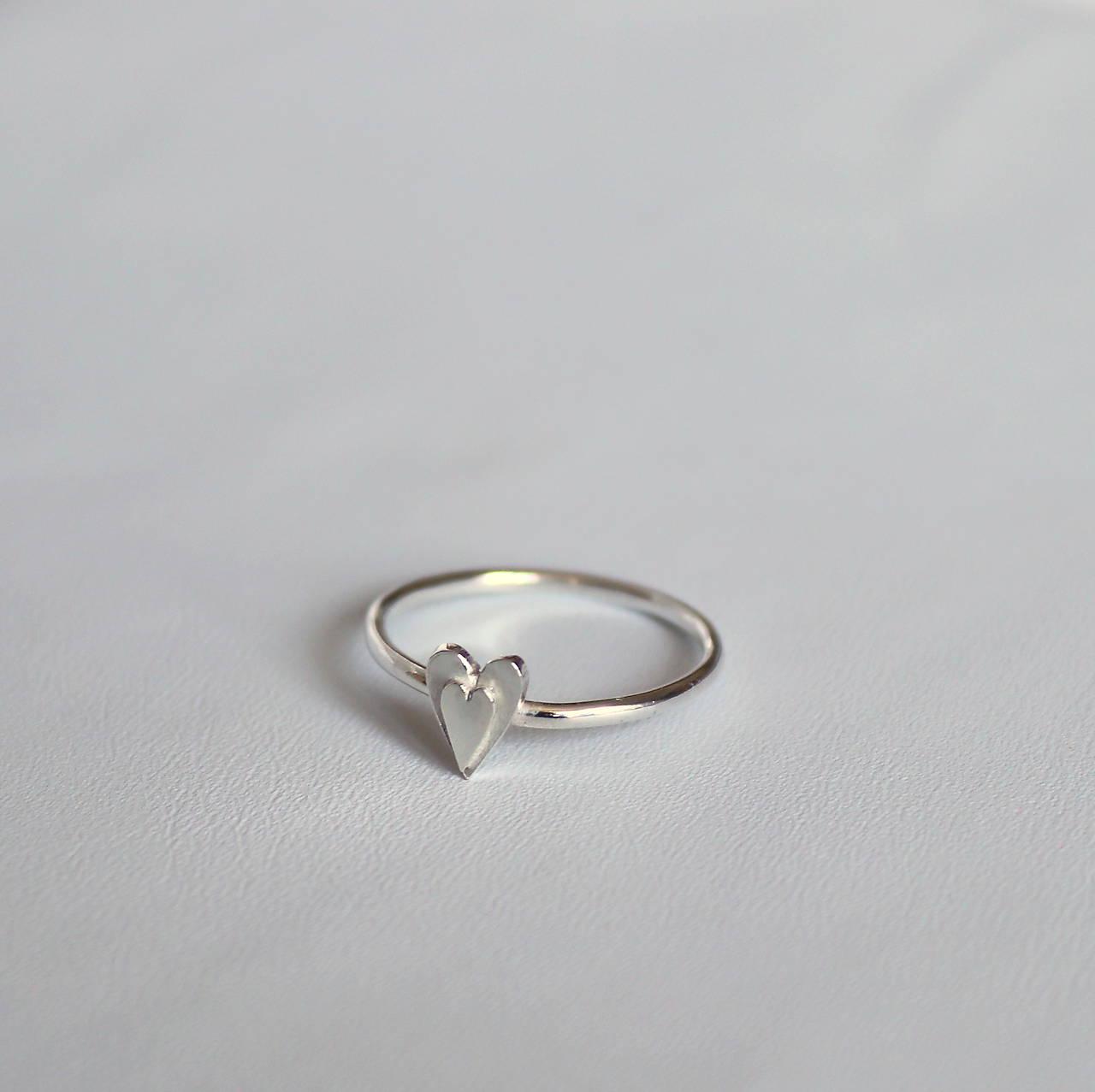 minimalistický prsteň - srdiečko