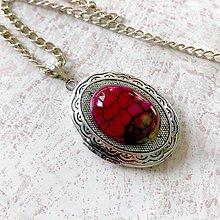 Náhrdelníky - Oval Pink Agate Locket Necklace / Oválny otvárací medailón s dračím achátom - 11541447_