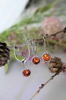 Sady šperkov - jantár náušnice a prívesok v striebre - luxusný set - 11541670_