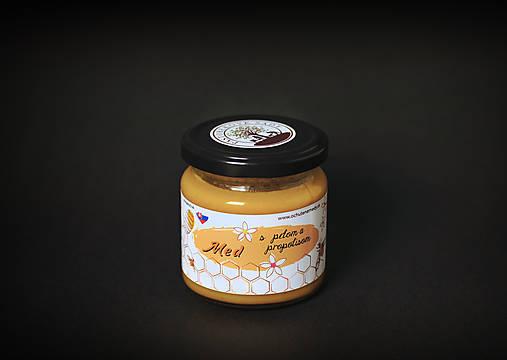 Med s peľom a propolisom