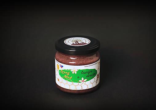 Lesný med medovicový s lesným ovocím