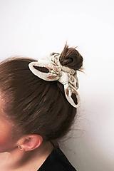 """Ozdoby do vlasov - Ľanová retro gumička """"scrunchie"""" s vyšívanou mašličkou (Béžová) - 11540852_"""