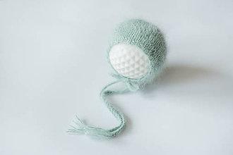 Detské čiapky - Štrikovaná čiapočka - 11545544_