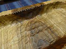 Nádoby - Orechová miska , ručne tesaná , s kôrou 2 - 11546664_