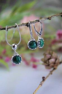 Sady šperkov - malachitové náušnice a prívesok v striebre - luxusný set - 11545724_
