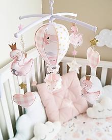 Detské doplnky - Kolotoč nad postieľku ruzové labuťky - 11544126_