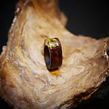 Prstene - Drevený prsteň: Na lúke - 11545050_