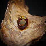 Prstene - Drevený prsteň: Na lúke - 11545053_