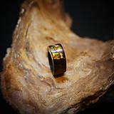 Prstene - Drevený prsteň: Na lúke - 11545056_