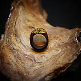 Prstene - Drevený prsteň: Na lúke - 11545060_