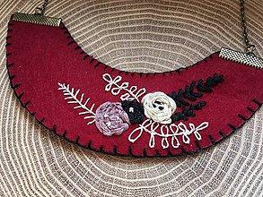 Náhrdelníky - ručne vyšívaný marsala náhrdelník   miniberry - 11546924_