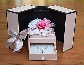 Dekorácie - Fabulous flower box - 11551103_