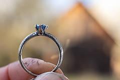 Prstene - Ako požiadať (modrookú) divožienku o ruku - 11556512_