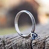 Prstene - Ako požiadať (modrookú) divožienku o ruku - 11556514_
