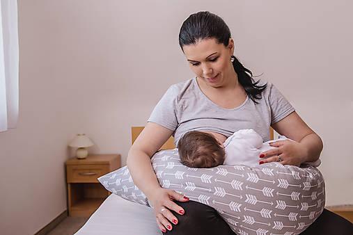 Tehotenský vankúš / Vankúš na dojčenie béžovo-sivé kvapky