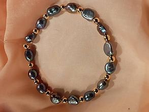 Náramky - náramok z riečnych perál - 11558850_
