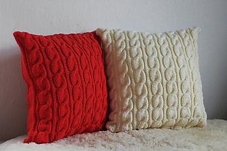 Úžitkový textil - pletené vankúše biely a červený - 11558274_