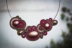 Náhrdelníky - Baroko - zlato-bordové elegancie - šujtášový náhrdelník - 11561068_
