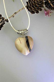 Náhrdelníky - jaspis prívesok valentínske srdiečko - 11561015_