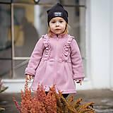 Detské oblečenie - Detský fleecový kabátik s volánikmi - ružová - 11560796_