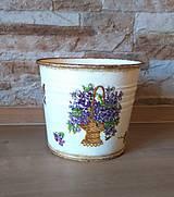 Nádoby - Kvetináč - Fialky v košíku - 11565053_