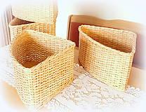 Košíky - Košík rohový v prírodnej hnedej farbe - 11563858_