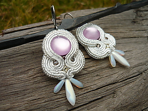 Náušnice - Soutache náušnice Light purple pearl - 11568536_