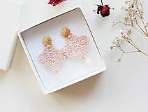 Náušnice - Náušnice s čipkou a perličkou. Svetlá ružová/Marhuľová - 11567248_