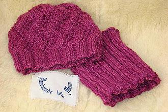 Detské čiapky - Ručne pletená cyklámenová čiapka s nákrčníkom - 11567050_