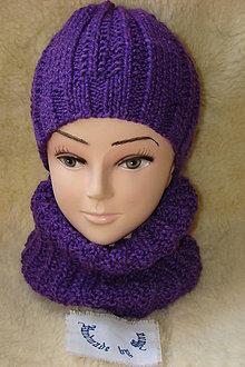 Čiapky - Ručne pletená fialová čiapka s nákrčníkom - 11567158_