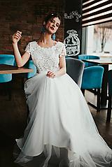 Šaty - Svadobné šaty z krajky v geometrickom motíve a tylovou sukňou - 11565652_