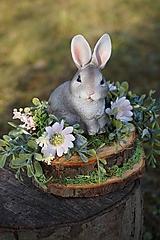 Dekorácie - Sivý zajačik - 11567564_