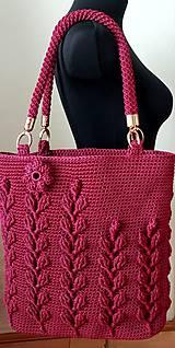 Kabelky - Handmade háčkovaná kabelka s 3D vzorom a aplikáciou bordová/vínová a listová kabelka/peňaženka - 11566412_