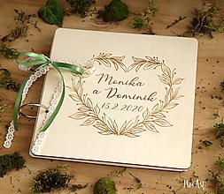 Papiernictvo - Svadobná kniha hostí, drevený fotoalbum - Venček srdiečkový - 11571331_