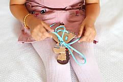 Hračky - Dievčatko v kroji - 11570381_