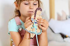 Hračky - Dievčatko v kroji - 11570382_