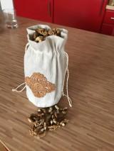Úžitkový textil - Vrecúško z ručne tkaného ľanu na orechy - 11568935_