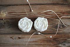 Dve ruže - sada sviec v darčekovom balení (Biela)