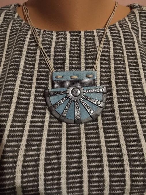 Šedomodrý náhrdelník