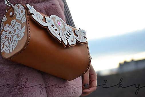 Drevená folk kabelka kožená elegantná čipka Odzuzičky