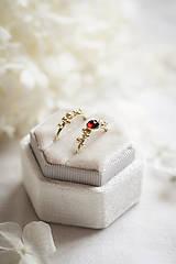 Prstene - Zlatý prsteň s granátom - Bokeh Gold Garnet - 11574384_