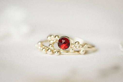 Prstene - Zlatý prsteň s granátom - Bokeh Gold Garnet - 11574389_