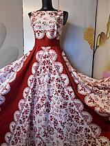 """Šaty - FLORAL FOLK """"Red & White"""", spoločenské dlhé šaty (biely podklad + červený ornament nový vzor !) - 11573723_"""