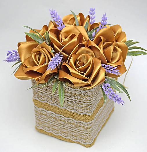 Box so saténových kvetov E