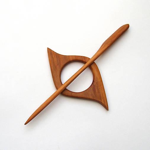 Drevená ihlica na šál - jelšová