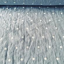 Textil - 100 % predpraný vyzrážaný ľan bodky na svetlobelasej - 11578310_