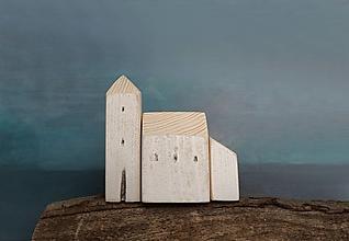 Dekorácie - Drevený biely kostolík - 11578959_
