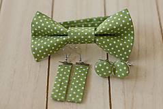 Doplnky - motýlik, manžetky, náušnice - sada, biele bodky na zelenej - 11577176_