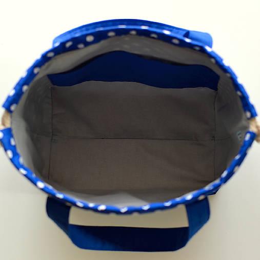 Kráľovsky modrá bodkovaná tvoritaška