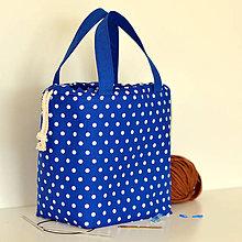 Iné tašky - Kráľovsky modrá bodkovaná tvoritaška - 11582683_